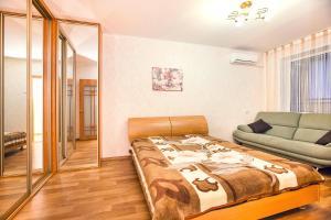 Apartments at Lva Yashina 10, Apartmanok  Toljattyi - big - 5