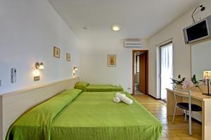 Pensione Ornella, Hotel  Lignano Sabbiadoro - big - 10