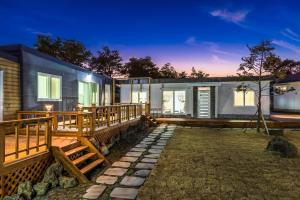 Goseong 2119, Holiday homes  Seogwipo - big - 47