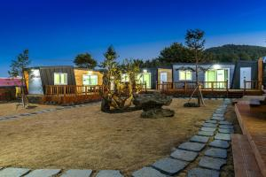 Goseong 2119, Holiday homes  Seogwipo - big - 43