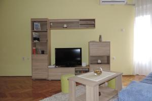 Sunflower Apartment, Apartments  Novi Sad - big - 11