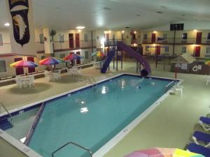 Westgate Inn and Suites, Hotels  Clarksville - big - 10