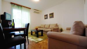 Apartment Slavija, Будва