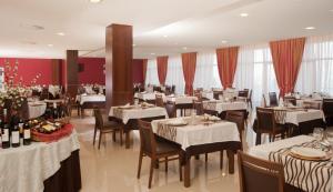 Palace Hotel e SPA - Termas de Sao Miguel, Szállodák  Fornos de Algodres - big - 31
