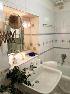 Ai Propilei Central Rooms, Vendégházak  Bergamo - big - 19