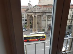 Ai Propilei Central Rooms, Vendégházak  Bergamo - big - 18