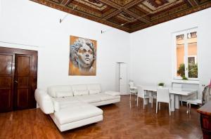 Di Rienzo Suites Trevi, Отели типа «постель и завтрак»  Рим - big - 31