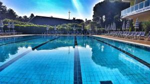 Hotel Alla Terrazza, Bibione, Italy   J2Ski