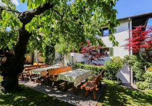 Garni Meinrad, Guest houses  Ora/Auer - big - 69