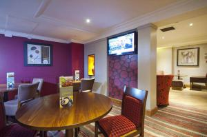 Premier Inn Glasgow Airport, Отели  Пейсли - big - 21