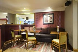 Premier Inn Glasgow Airport, Отели  Пейсли - big - 23