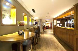 Premier Inn Glasgow Airport, Отели  Пейсли - big - 25