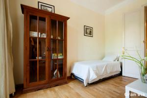 Three-Bedroom Apartment - Calle Gran Via de les Corts Catalanes 448