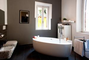 Di Rienzo Suites Trevi, Отели типа «постель и завтрак»  Рим - big - 16