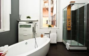 Di Rienzo Suites Trevi, Отели типа «постель и завтрак»  Рим - big - 27