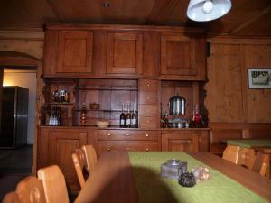 Gasthaus zur Traube, Gasthäuser  Jenins - big - 8