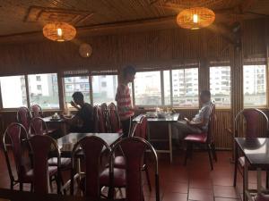 Home Hotel, Hotels  Hanoi - big - 27