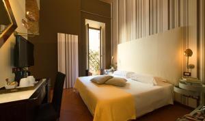 Hotel De La Pace - AbcFirenze.com