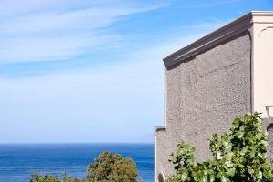 Terra Blue Santorini(Kamari)