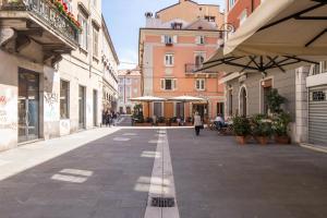 DIAZ 10, Apartments  Trieste - big - 6