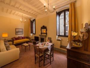 Pienza Halldis Apartments