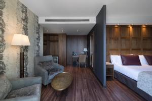 Junior Suite with Private Pool & Spa Access