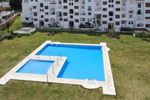 Apartment Calle Colmenar, Apartments  Estepona - big - 1
