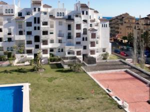 Apartment Calle Colmenar, Apartments  Estepona - big - 111