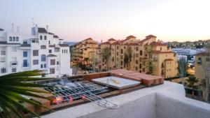 Apartment Calle Colmenar, Apartments  Estepona - big - 110
