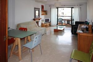 Apartment Calle Colmenar, Apartments  Estepona - big - 105