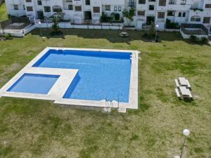 Apartment Calle Colmenar, Apartments  Estepona - big - 85