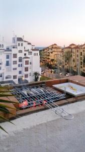 Apartment Calle Colmenar, Apartments  Estepona - big - 95