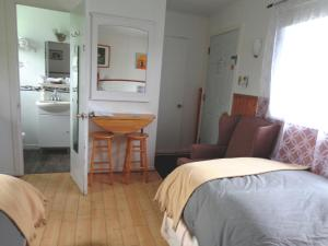 King or Twin Room with Lake View - Adults Only