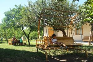 U Rafa Guest House, Guest houses  Pizunda - big - 56