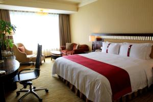 Holiday Inn Chengdu Century City West, Отели  Чэнду - big - 4