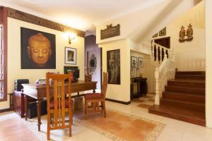HanumanAlaya Colonial House, Hotely  Siem Reap - big - 59