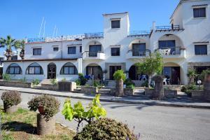 Follow The Sun Hotel Apartments