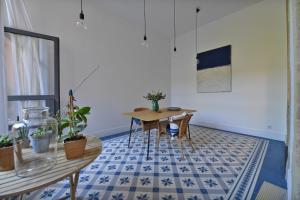 La Merci, Chambres d'hôtes, Bed & Breakfast  Montpellier - big - 76
