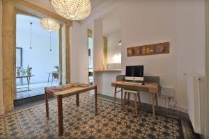 La Merci, Chambres d'hôtes, Bed & Breakfast  Montpellier - big - 83