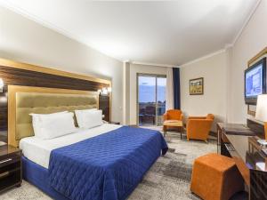 Maritim Pine Beach Resort, Resorts  Belek - big - 6