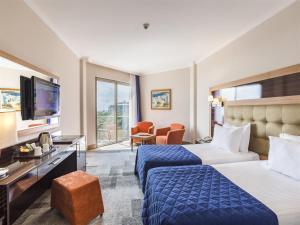 Maritim Pine Beach Resort, Resorts  Belek - big - 5
