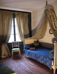 La Closerie Saint Jacques, Bed & Breakfasts  Loches - big - 5