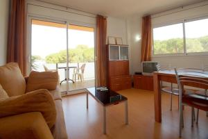 Aparthotel Arenal, Residence  Pals - big - 48