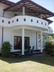 Roshini Inn