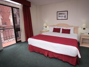 Double Room with City View - Non-Smoking