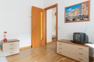 Miranda Halldis Apartment