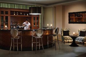 Mövenpick Hotel Colombo (7 of 53)