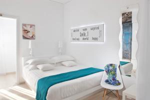 Отель Acqua Vatos Santorini (Камари)