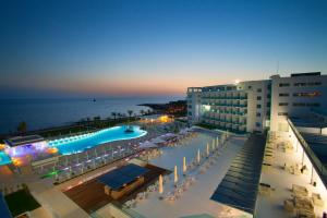 King Evelthon Beach Hotel & Resort (15 of 52)