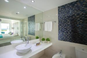 King Evelthon Beach Hotel & Resort (23 of 52)